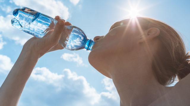 Fluid intake: how much should you drink every day?