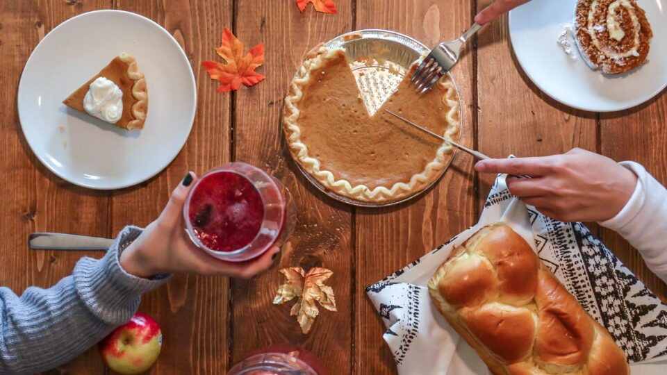 How to enjoy yourself around food and not gain weight over the holidays