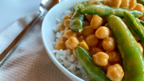 Sugar Snap Pea and Chickpea Curry | Vegan